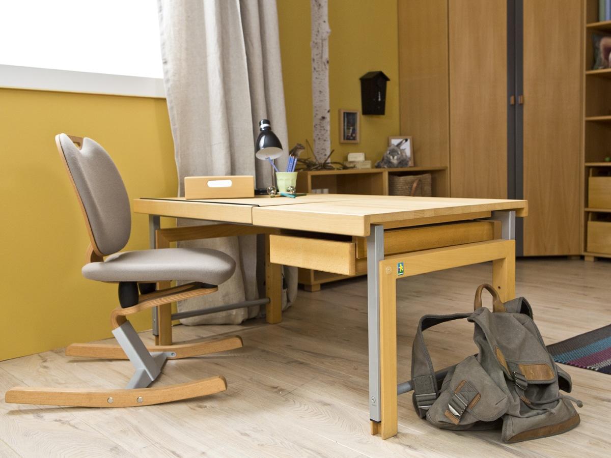 Schreibtisch ziggy mit geteilter platte kohler nat rlich for Team 7 jugendzimmer gebraucht