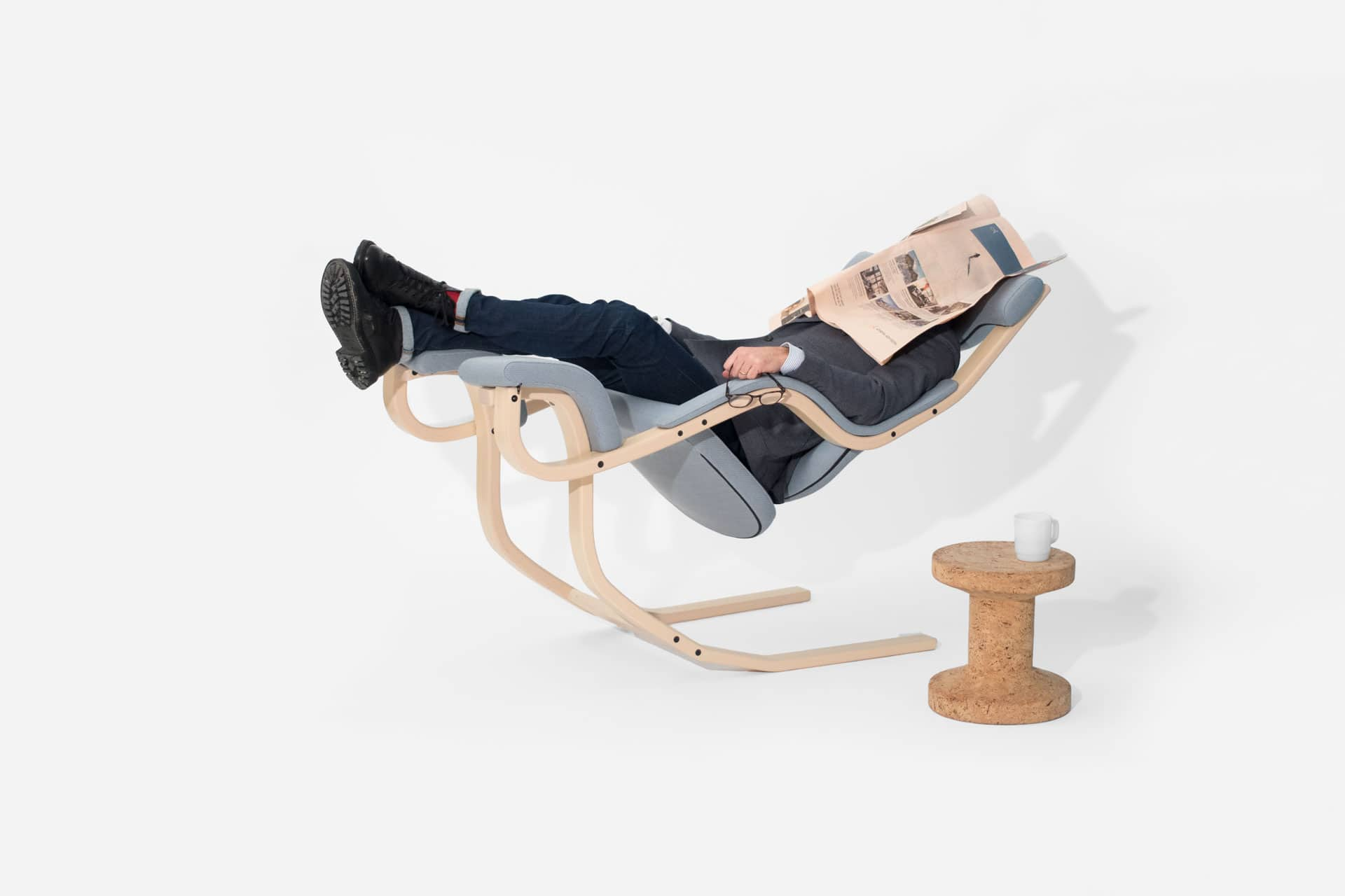 ruhesessel gravity balans kohler nat rlich einrichten. Black Bedroom Furniture Sets. Home Design Ideas