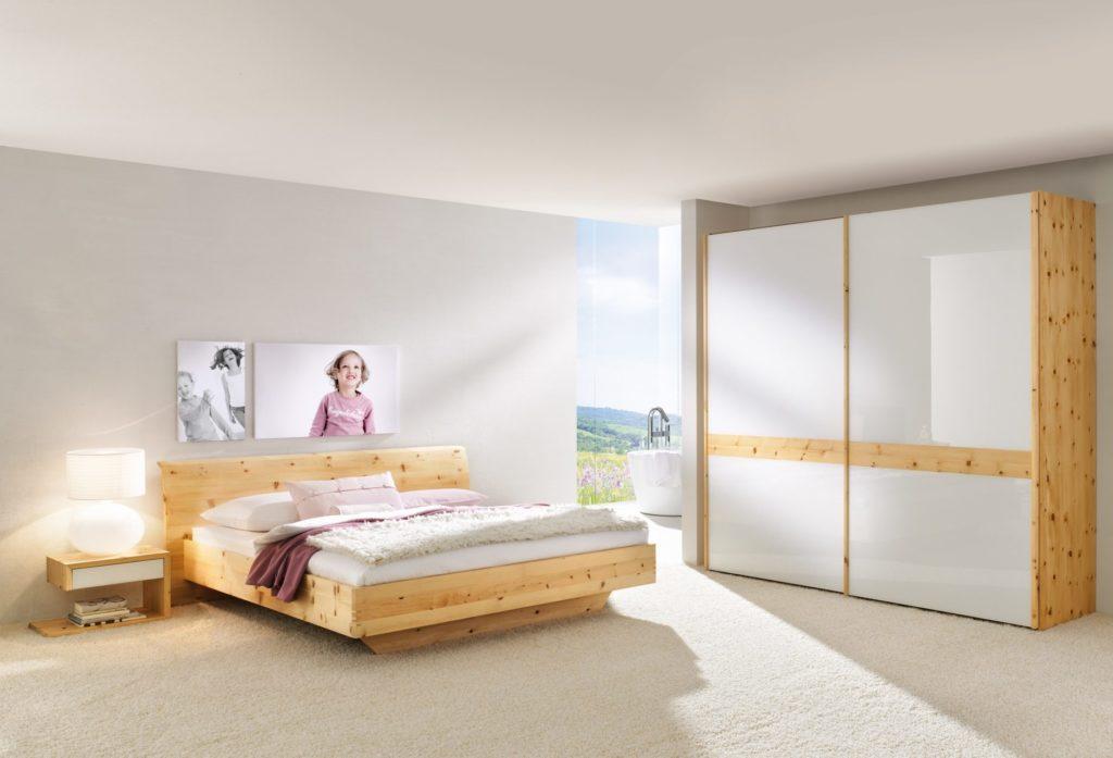 Schlafzimmer Rio mit Glas in Zirbe