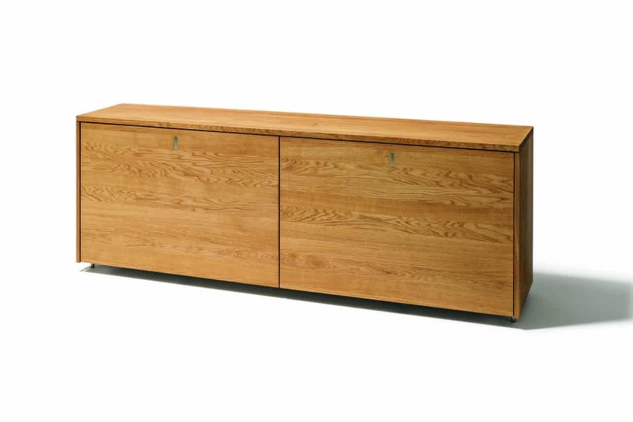 Cubus Sideboard in Eiche mit Schiebetür in Holz.