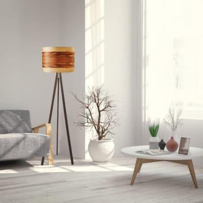 Stehleuchte Ligno mit Echtholz-Lampenschirm, Furnier Nussbaum Satin, aus