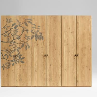 6-türiger Massivholzkleiderschrank Mevisto mit Blätterornament als Verzierung, Ausführung Asteiche barrique geölt