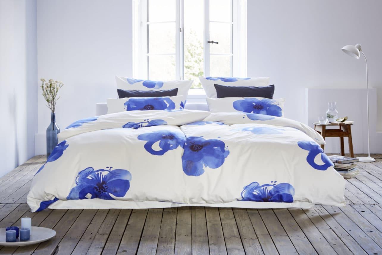 Satinbettwäsche Blaue Anemone aus kbA Baumwolle